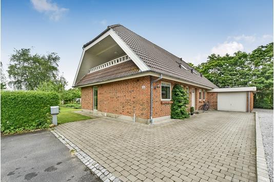 Villa på Møllegaarden i Kibæk - Ejendommen