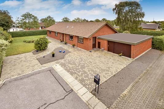 Villa på St. Lundgård Vej i Herning - Ejendommen