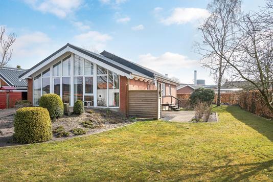 Villa på Elme Alle i Kibæk - Ejendommen