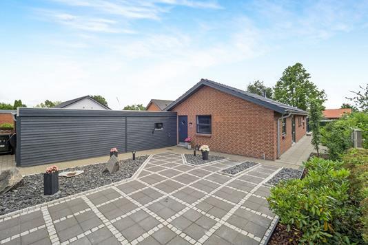 Villa på Åvej i Sunds - Ejendommen
