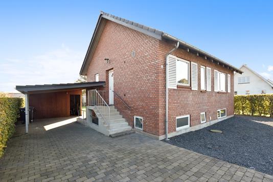 Villa på Rødtjørnvej i Herning - Ejendommen