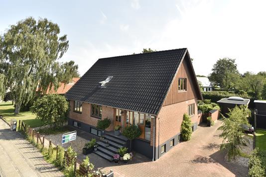 Villa på Lind Hovedgade i Herning - Ejendommen