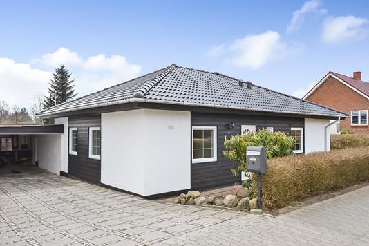 Villa på Mellemvangs Alle i Esbjerg Ø - Ejendommen