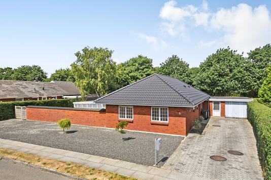 Villa på Fridtjof Nansens Vej i Esbjerg N - Ejendommen