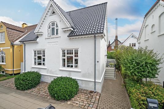 Villa på Kirkegade i Esbjerg - Ejendommen