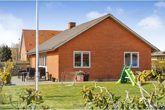 Villa på Guldbergs Alle i Esbjerg V - Ejendommen