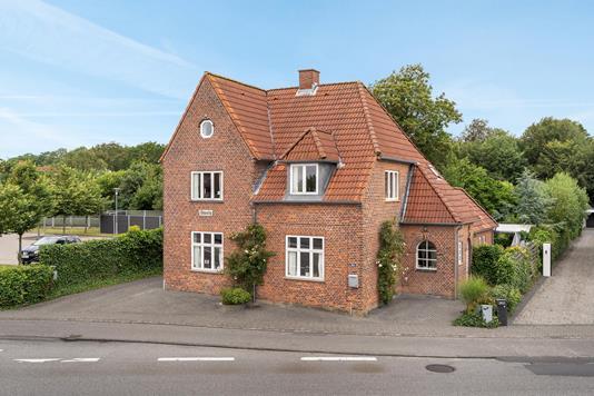 Villa på Strandby Kirkevej i Esbjerg - Ejendommen