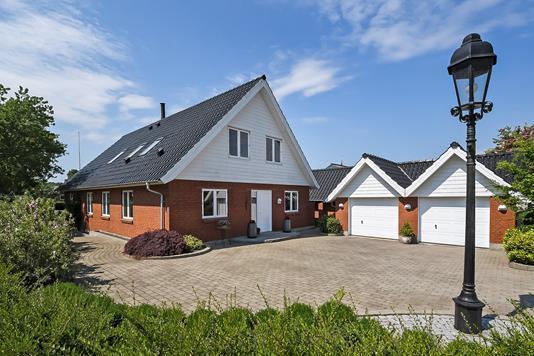 Villa på Tjørne Alle i Struer - Ejendommen