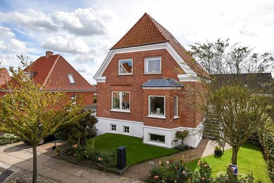 Villa på Fredensgade i Struer - Ejendommen