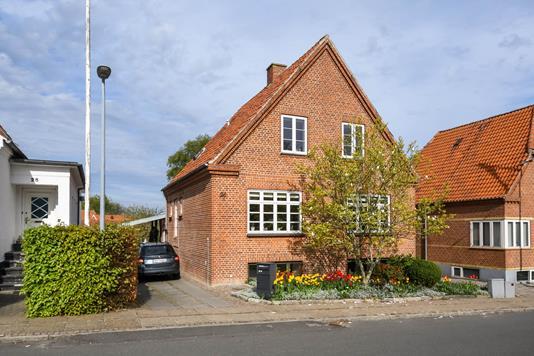 Villa på Torvegade i Struer - Ejendommen