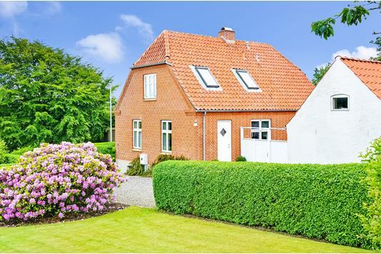 Villa på Aspvej i Struer - Ejendommen