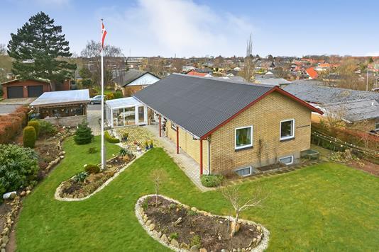 Villa på Fuglebakken i Struer - Ejendommen