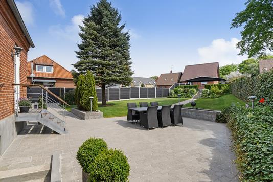 Villa på Holstebrovej i Struer - Ejendommen