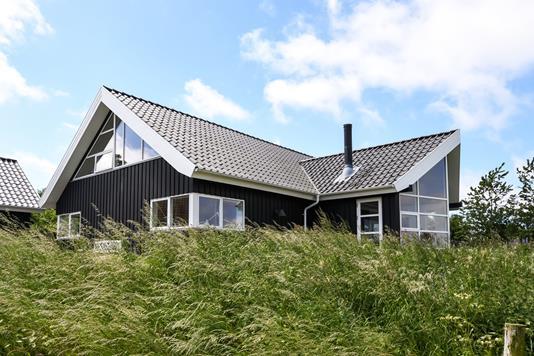 Villa på Tambobakken i Thyholm - Ejendommen