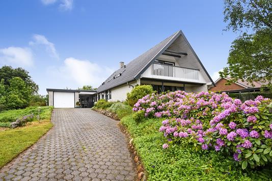 Villa på Rørsangervej i Struer - Have