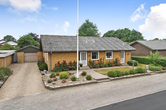 Villa på Rosengårdsvej i Hejnsvig - Ejendommen