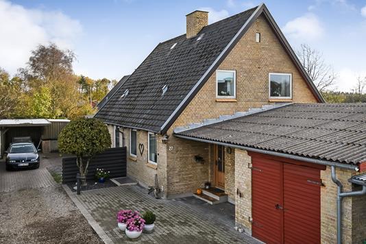 Villa på Jørgen Glavinds Vej i Grindsted - Ejendommen