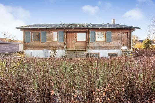Villa på Stenhøjvej i Hejnsvig - Ejendommen
