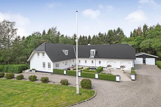 Landejendom på Omme Landevej i Sønder Omme - Ejendommen