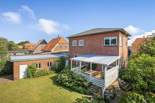 Villa på Bredgade i Hejnsvig - Ejendommen