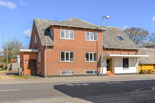 Villa på Hovedgaden i Sønder Omme - Ejendommen