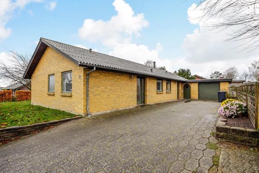 Villa på Søllingdalvej i Hejnsvig - Ejendommen