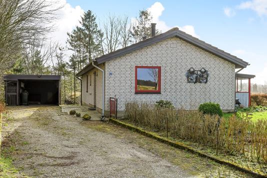 Villa på Lundgårdvej i Hejnsvig - Ejendommen