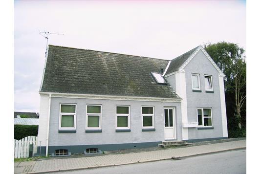 Villa på Vestergade i Frøstrup - Ejendommen