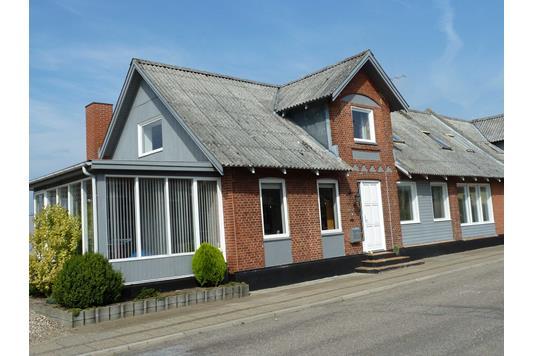 Villa på Storkevej i Frøstrup - Ejendommen