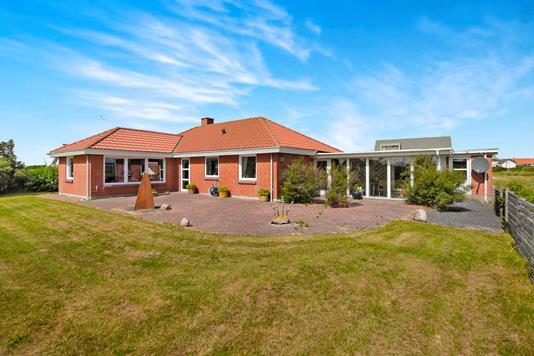 Villa på Krinkelkrogen i Frøstrup - Ejendommen