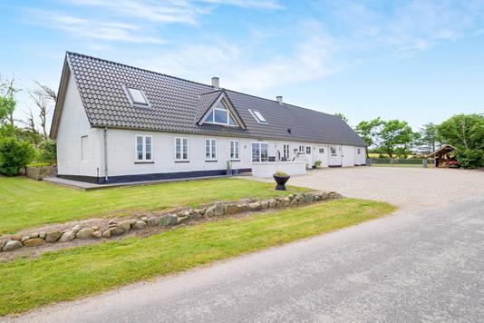 Villa på Kærgårdsvej i Snedsted - Ejendommen