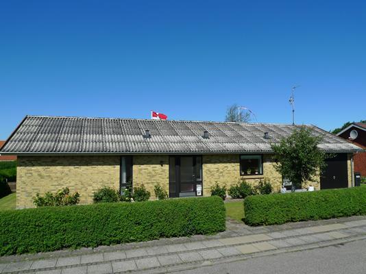 Villa på Rønnebærvej i Frøstrup - Ejendommen