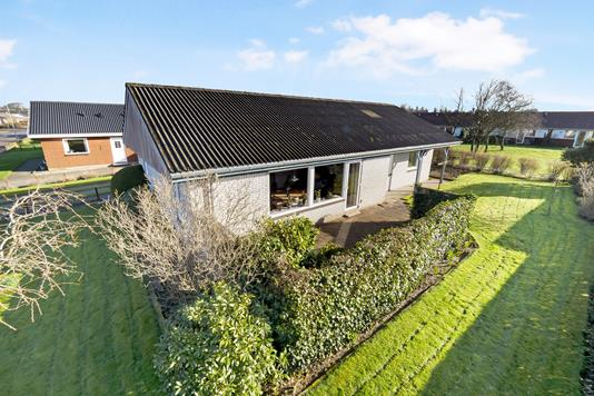 Villa på Rønnebærvej i Frøstrup - Ejendom 1