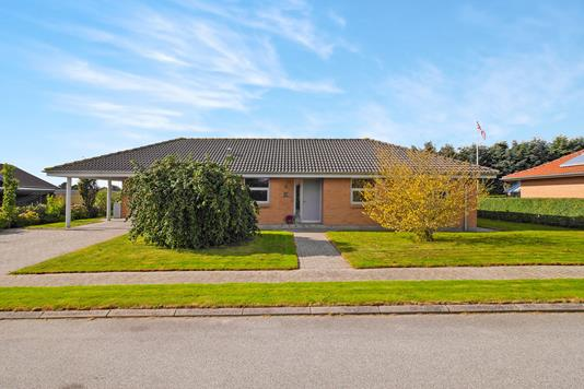 Villa på Ranunkelvej i Nykøbing M - Ejendommen