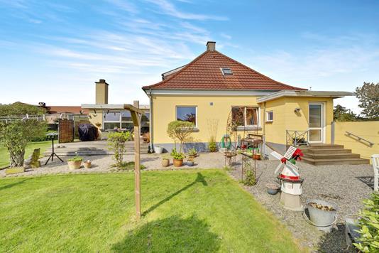 Villa på Aakjærsvej i Nykøbing M - Ejendommen