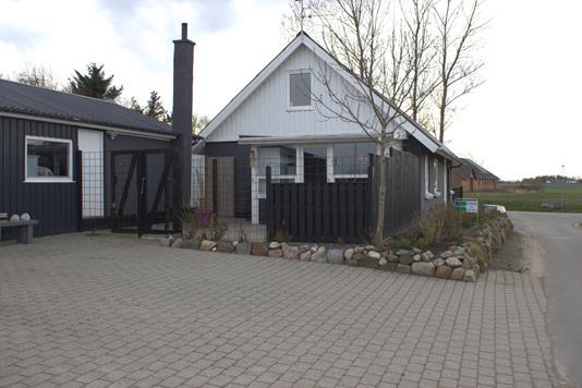 Villa på Kr Koldsvej i Erslev - Ejendommen