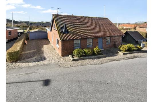 Villa på Søndervej i Erslev - Ejendommen