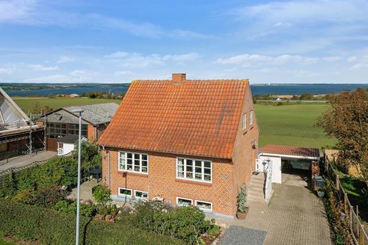 Villa på Sundbyvej i Erslev - Ejendommen