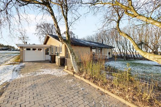 Villa på Staghøjmøllevej i Øster Assels - Ejendommen