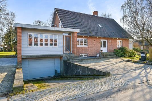 Villa på Kongemosevej i Karup J - Ejendommen