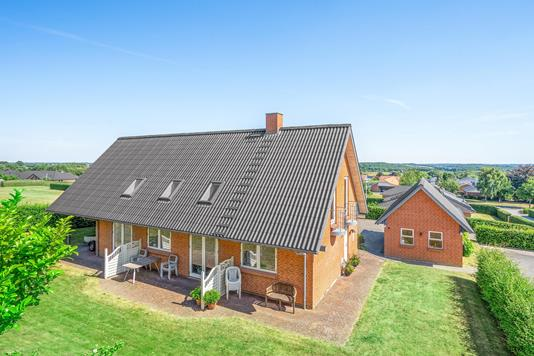 Villa på Liljevej i Stoholm Jyll - Ejendommen