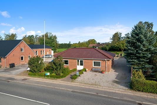 Villa på Viborgvej i Tjele - Mastefoto