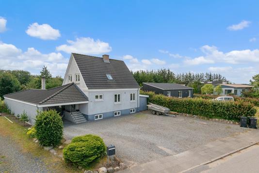 Villa på Hovedgaden i Løgstrup - Mastefoto