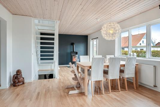 Villa på Østergade i Møldrup - Spisestue