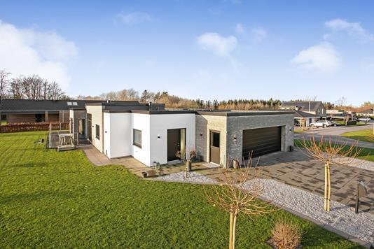 Villa på Albertevej i Løgstrup - Ejendommen