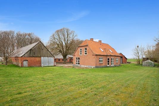 Landejendom på Hedegårdvej i Løgstrup - Ejendommen