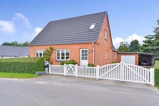 Villa på Nørdamvej i Møldrup - Ejendommen