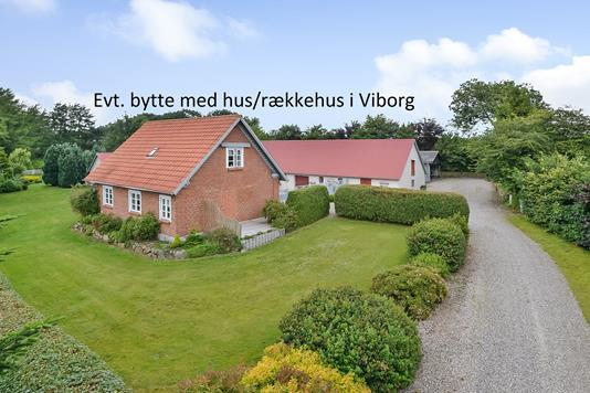 Villa på Tolstrupvej i Viborg - Ejendommen