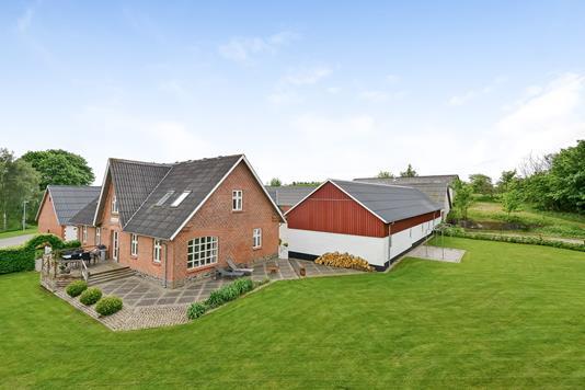 Landejendom på Finderupvej i Viborg - Ejendommen