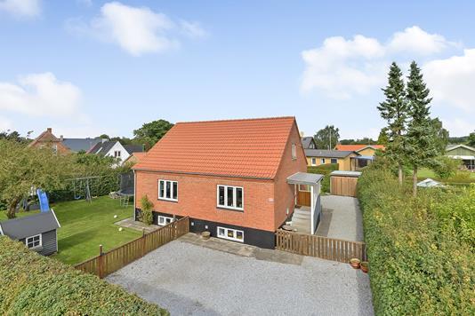Villa på Holstebrovej i Viborg - Ejendommen